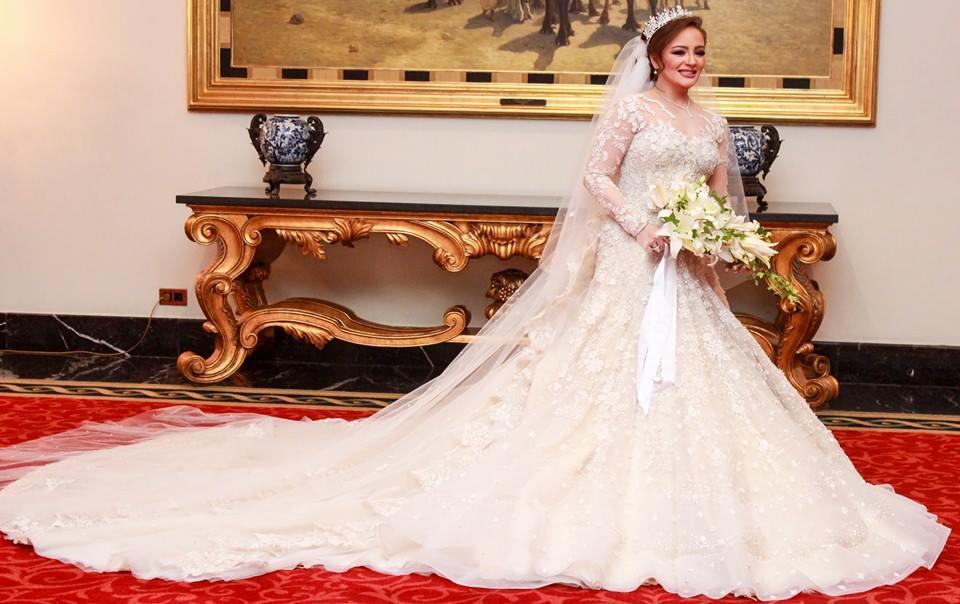 02e33145c سر اختيار اللون الأبيض لفستان الزفاف المصري