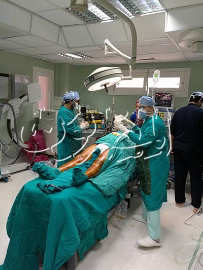 الصور الأولى للفنان عزت أبو عوف في المشفى بعد عملية القلب المفتوح